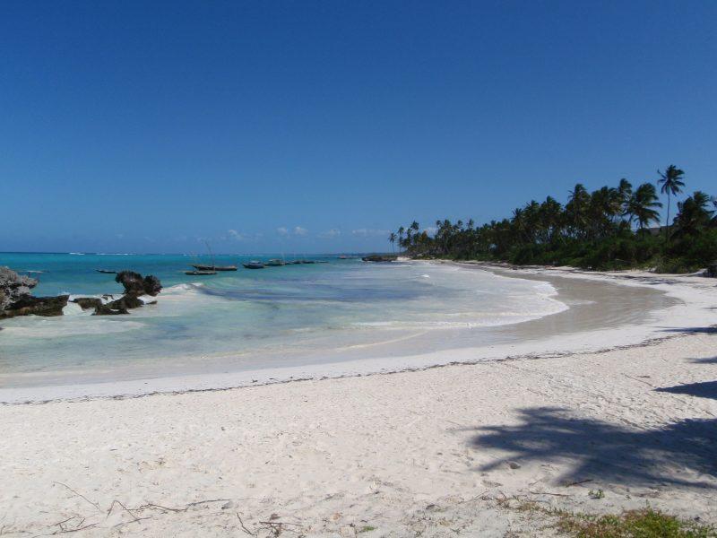 Playa Grace Bay, una de las playas paradisíacas del Caribe, grace bay beach, playa grace bay informacion, playa grace bay providenciales islas turcas y caicos