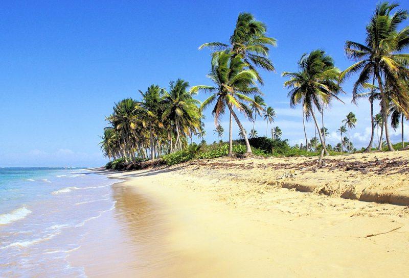 Playa Bavaro, una de las mejores playas de República Dominicana, playa baravo opiniones, playa bavaro sargazo, vuelohotel, hoteles, tiempo