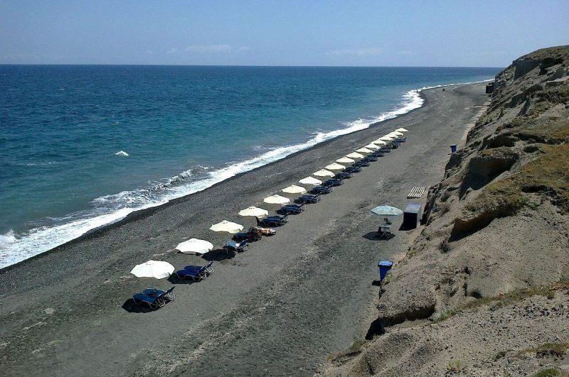 Playa Baxedes en Oia
