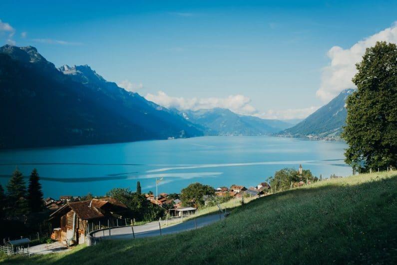 Vistas de Brienz junto al lago