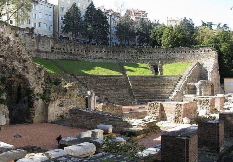 Resti del teatro romano Milano