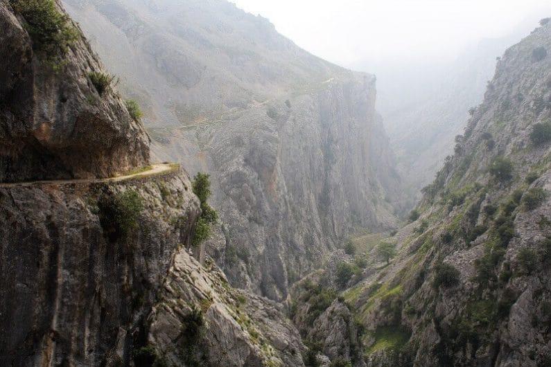 Carretera de montaña en Asturias