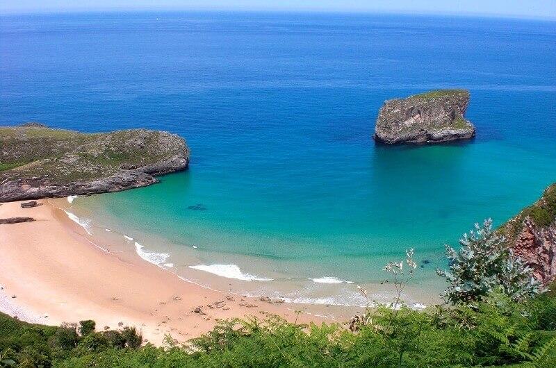 Playa de Ballota Asturias