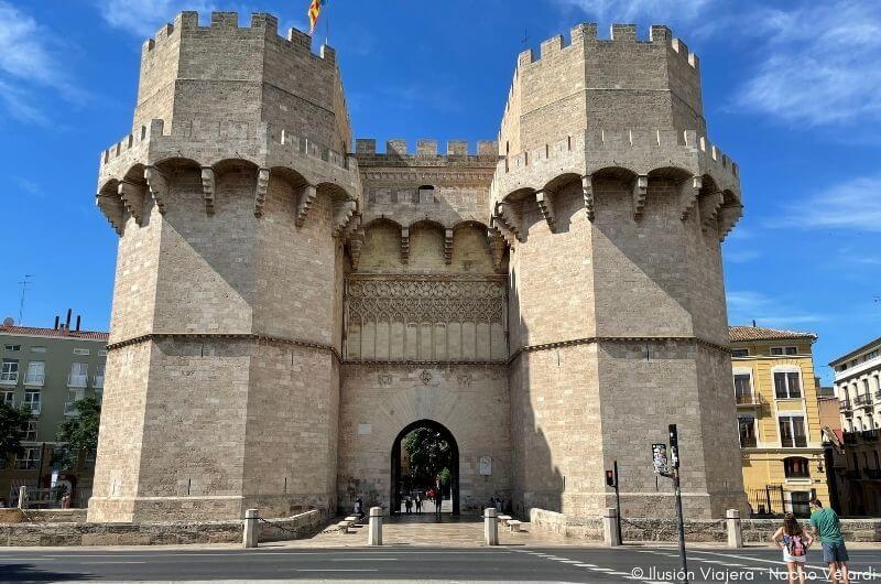 Las Torres de Serranos, uno de los mejores lugares que ver en Valencia en 3 días